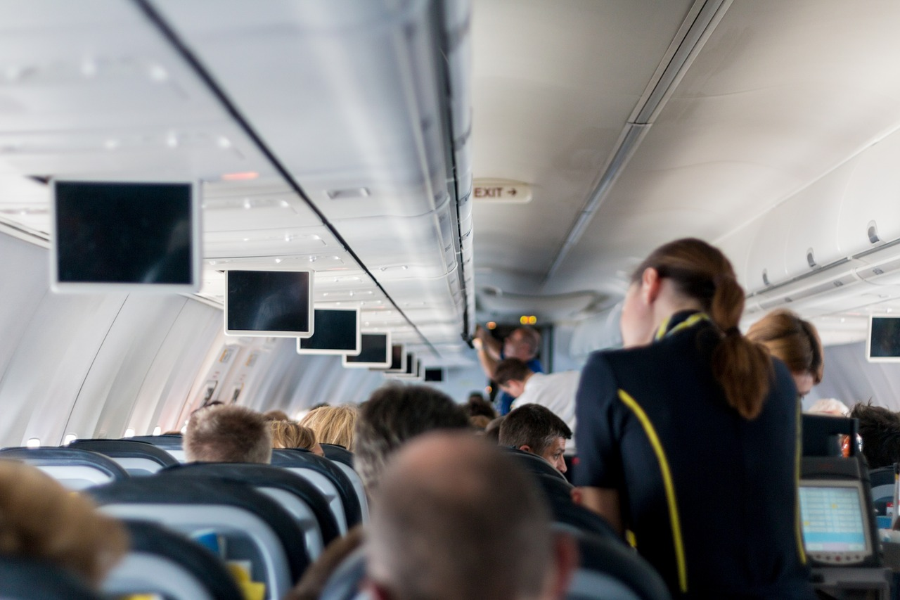 auxiliar de vuelo viajar mucho trabajos